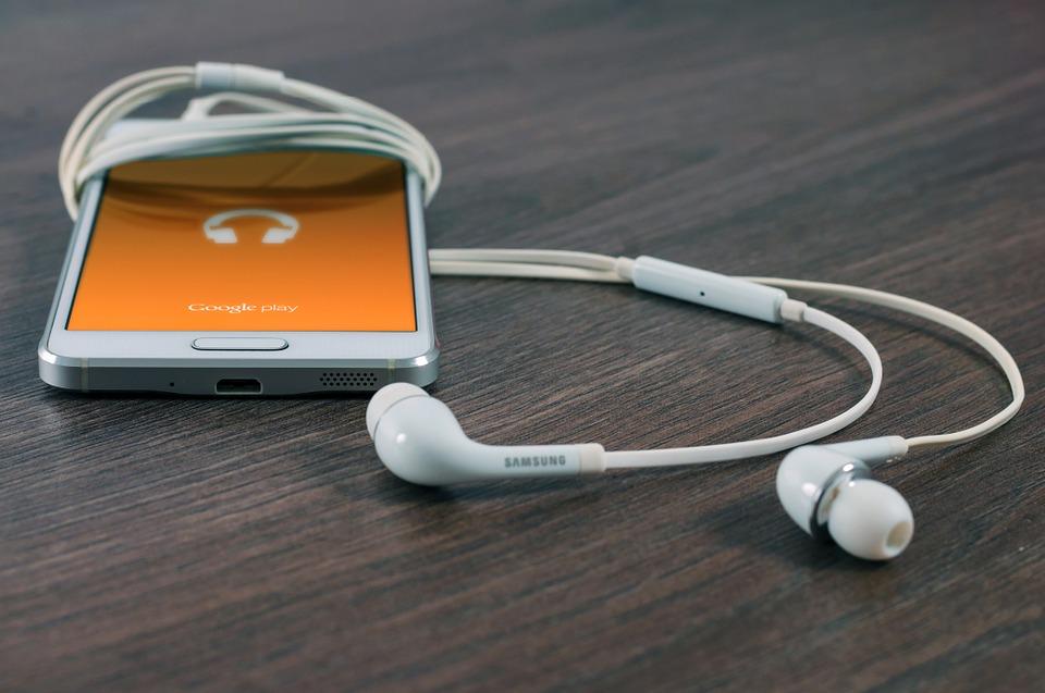 samsung smartphone and earphone